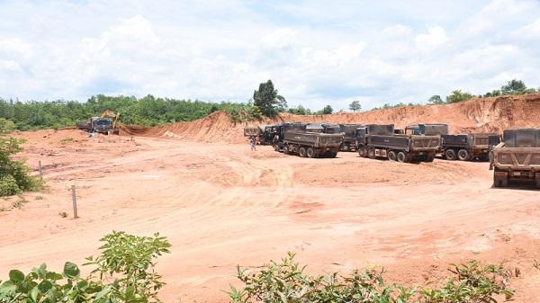 Kon Tum: Phạt công ty khai thác đất trái phép để thi công