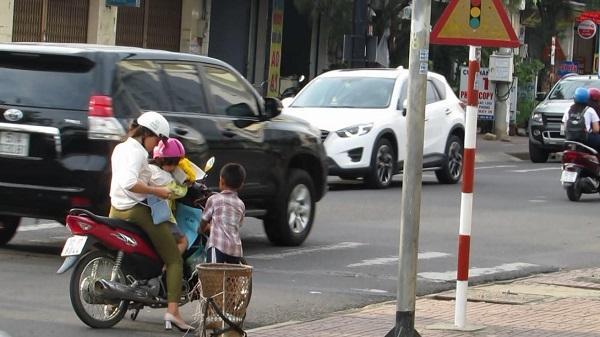 Kon Tum: Những đứa trẻ bán hàng