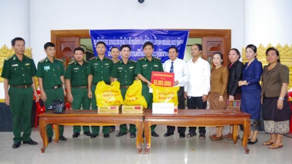 Tỉnh Kon Tum cứu trợ nhân dân Attapeu (Lào) bị thiệt hại do sự cố vỡ đập thủy điện