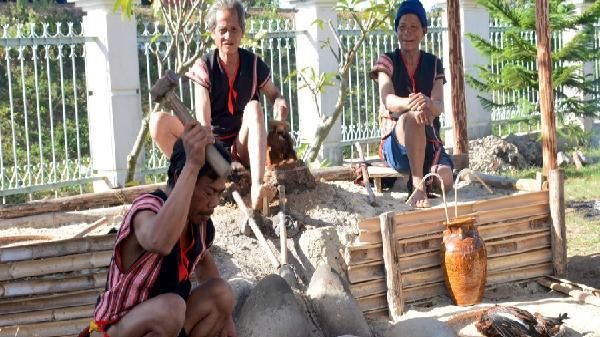 Độc đáo văn hóa truyền thống các dân tộc trên dãy Trường Sơn-Tây Nguyên