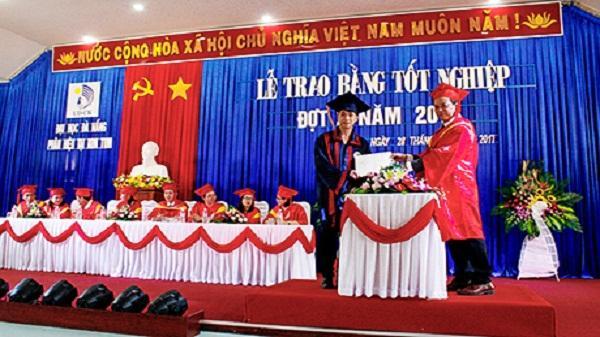 Phân hiệu Đại học Đà Nẵng tại Kon Tum: Trao bằng tốt nghiệp đại học cho 205 sinh viên