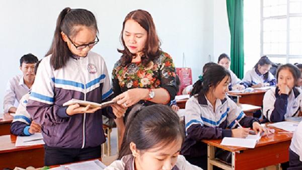 Kon Tum: Cô giáo tận tâm với nghề