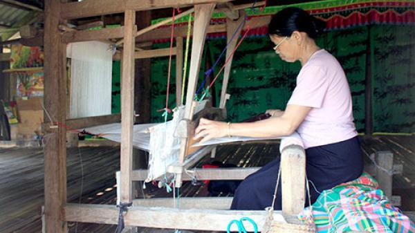 Pom Bó giữ gìn bản sắc văn hóa của người dân tộc Thái