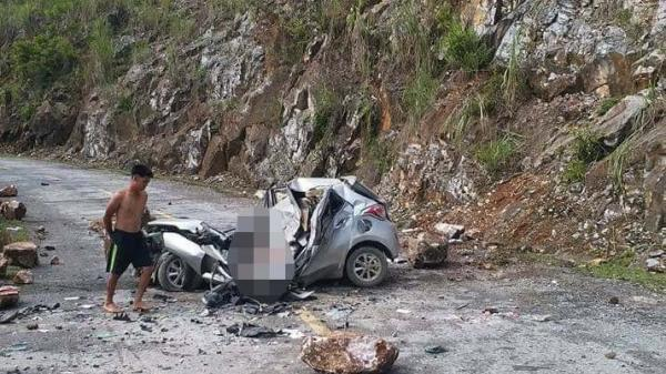 Lai Châu: Đá tảng rơi trúng ô tôđỗ ven đường, tài xế t.ử v.ong
