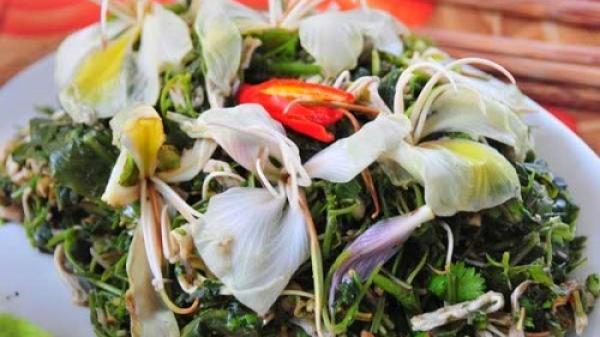 Nộm hoa ban - Món đặc sản của người Thái ở Lai Châu
