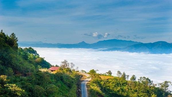 Có một Sìn hồ chìm trong mây giữa núi rừng Lai Châu