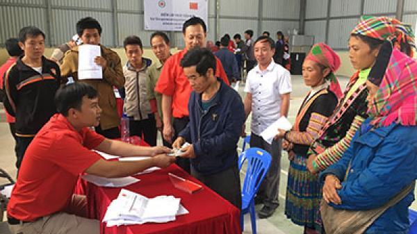Hội Chữ thập đỏ tỉnh cấp tiền hỗ trợ người dân bị ảnh hưởng thiên tai