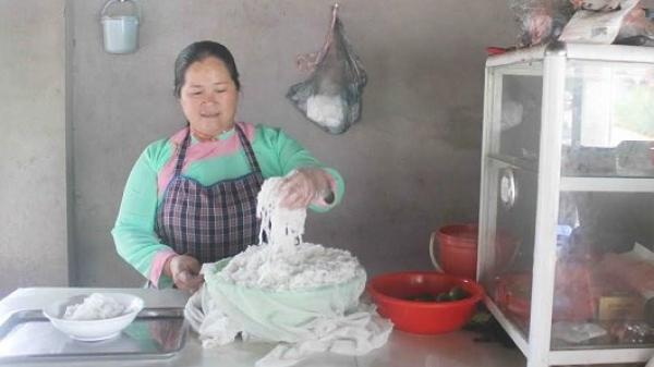 Lai Châu: Thiếu phụ đưa phở truyền thống đến với bà con dân tộc