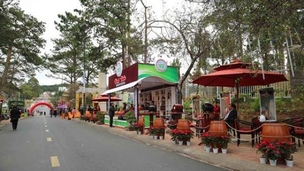 Mở cửa không gian giới thiệu đặc sản Đà Lạt bên hồ Xuân Hương để chào đón lễ hội Festival Hoa Đà Lạt