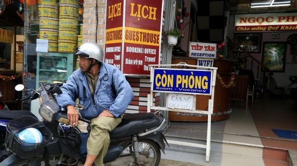 Festival Hoa Đà Lạt: Phòng không 'cháy', dịch vụ ăn uống quá tải
