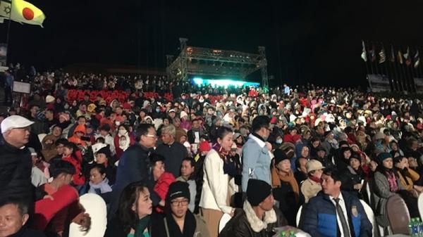 Khán giả Đà Lạt đội gió rét xem Duyên dáng Việt Nam 29 với giá vé không hề rẻ