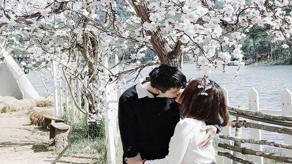 """Lãng mạn hơn cả những thước phim Hàn đó chính là """"thánh địa sống ảo"""" rừng hoa ban trắng Đà Lạt"""