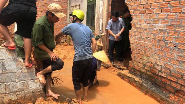 """Tây Nguyên: Vụ """"Một nhà làm khổ nhiều nhà"""": Lập phương án làm mương thoát nước"""