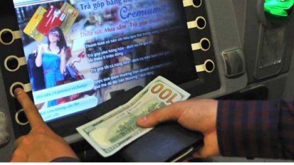 Du khách bị đâm trọng thương khi đứng rút tiền ở trụ ATM