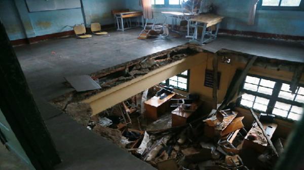 Sập phòng học tại Đà Lạt, 10 em bị thương