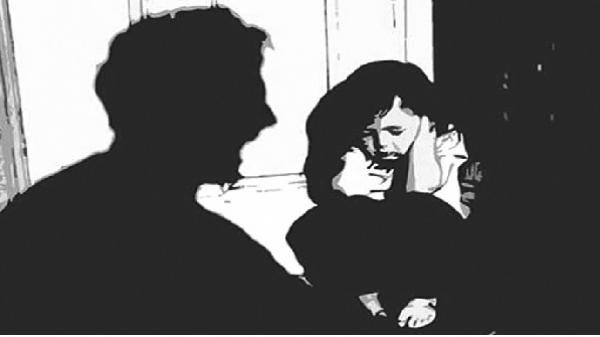 Hiếp dâm bé gái 11 tuổi rồi quay lại nghe ngóng tình hình