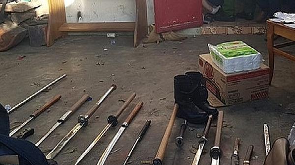 Phát hiện kho vũ khí trong nhà nghi can giết người phi tang xác ở bìa rừng