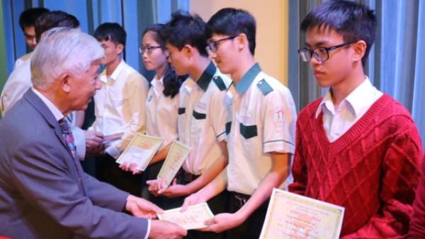 Tặng 179 suất học bổng Vallet cho học sinh, sinh viên các tỉnh Tây Nguyên