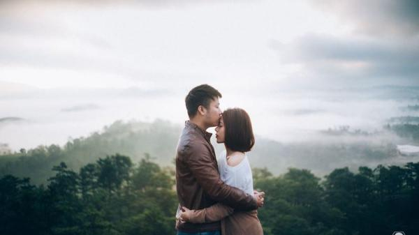 """Chuyện tình lãng mạn và bộ ảnh ngọt ngào ở Đà Lạt của đôi vợ chồng trẻ """"đốn tim"""" dân mạng"""