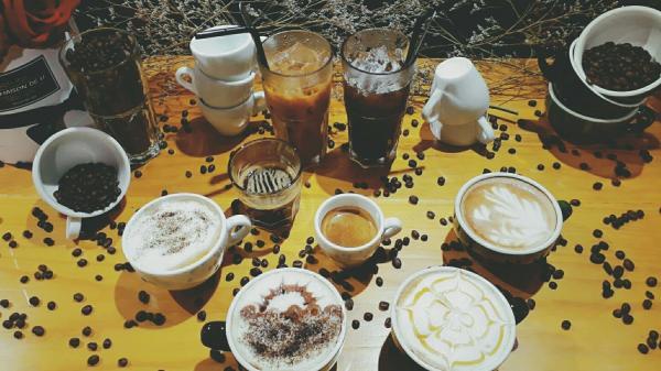 Rủ nhau đi hẹn hò tại tiệm café cứ check in là được giảm giá ở Đà Lạt