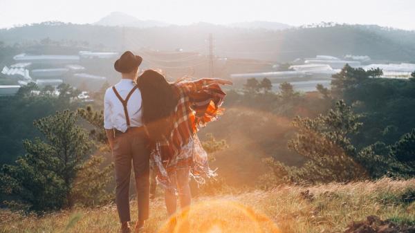 """Bộ ảnh cưới """"Đà Lạt có em"""" của đôi uyên ương Nghệ An gây sốt cộng đồng mạng"""