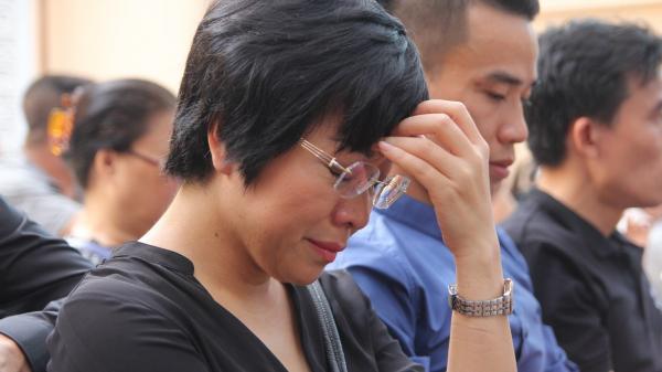 MC Thảo Vân đau buồn về Lạng Sơn chịu tang cha