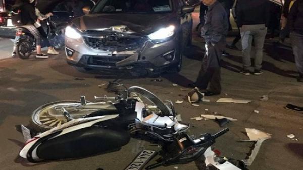 Lạng Sơn: Vượt đèn đỏ, xe máy bị ôtô đâm khiến 3 người thương vong