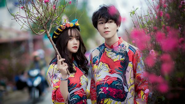 """Đăng bộ ảnh du xuân, cặp đôi 9X Lạng Sơn bất ngờ nhận """"ngàn like"""" từ cộng đồng mạng"""