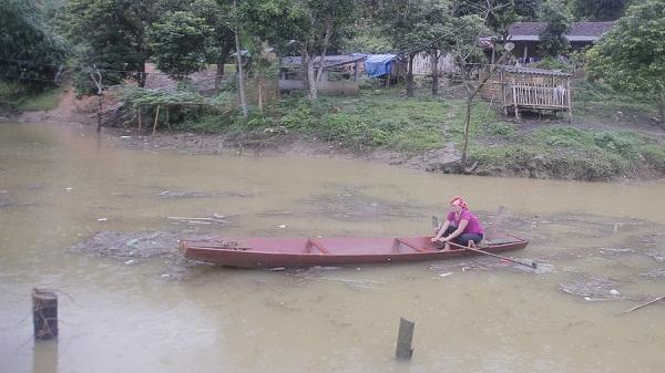 Bảo Yên: Thủy điện dâng nước, 4 hộ dân xã Điện Quan bị cô lập