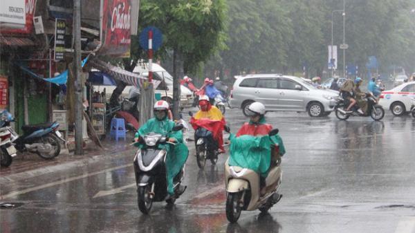 Thông tin chính thức về đợt mưa lớn ở vùng núi và cảnh báo mưa dông, lốc, sét, gió giật mạnh ở miền Bắc