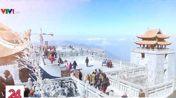 """Lên Sapa dự lễ hội mùa đông """"Thiên đường tuyết rơi"""", bạn ngỡ mình như đang giữa trời Âu ngập tuyết"""