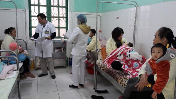 Lào Cai: Trẻ em nhập viện vì mắc tiêu chảy cấp tăng cao đột biến