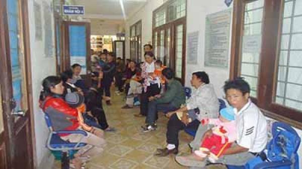 Rét đậm kéo dài, bệnh nhi Lào Cai nhập viện tăng cao