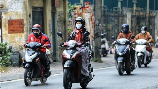 Gió mùa Đông Bắc tràn xuống, Hà Nội mưa rét trở lại