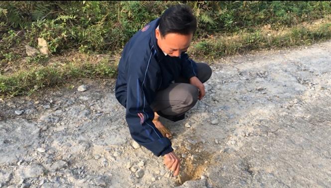 """Cung đường tiền tỷ vừa quyết toán xong được 8 tháng đã """"nát bét"""" ở Lào Cai"""