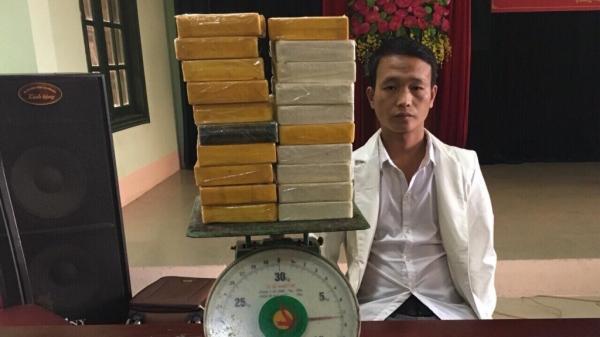 Bắt giữ đối tượng vận chuyển thuê 20 bánh heroin từ Lào Cai sang Trung Quốc