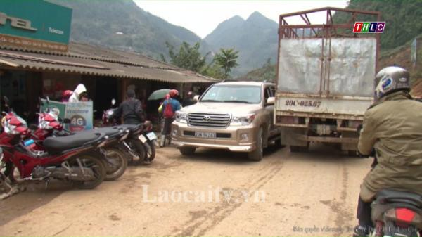 Chợ Cán Cấu, huyện Si Ma Cai quá tải