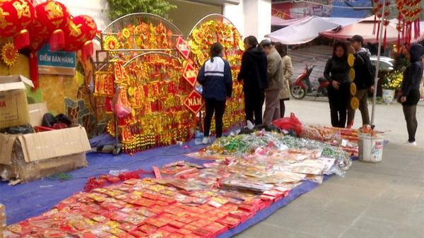 Lào Cai nhộn nhịp thị trường mua sắm ngày áp Tết