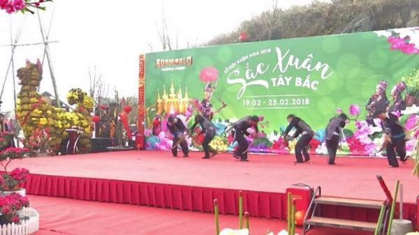 Tưng bừng Lễ hội khèn hoa tại Sa Pa, Lào Cai