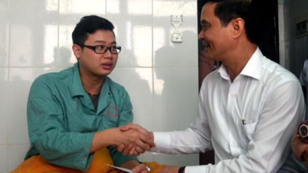 Cảnh sát truy tìm chồng sản phụ Lào Cai bất ngờ đánh trọng thương bác sỹ vừa mổ đẻ cho vợ