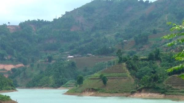 Hoàn thiện công trình cấp điện cho thôn Giàng Trù trước ngày 31/8