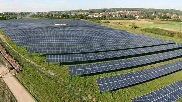 Sẽ xây dựng nhà máy sản xuất cắt tấm pin mặt trời lớn nhất Đông Nam Á tại Lào Cai