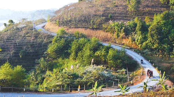"""""""Con đường thế kỷ"""" ở Bảo Thắng, Lào Cai"""
