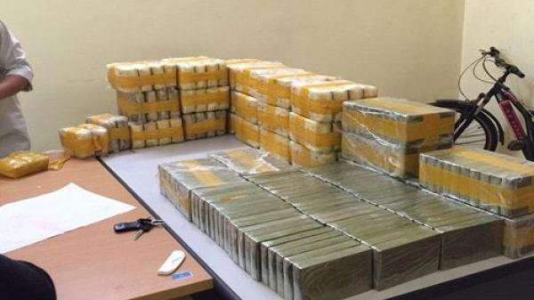 """Bắt giữ vụ vận chuyển 131 bánh heroin và 2280 túi hồng phiến tại """"điểm nóng"""" Tây Bắc"""