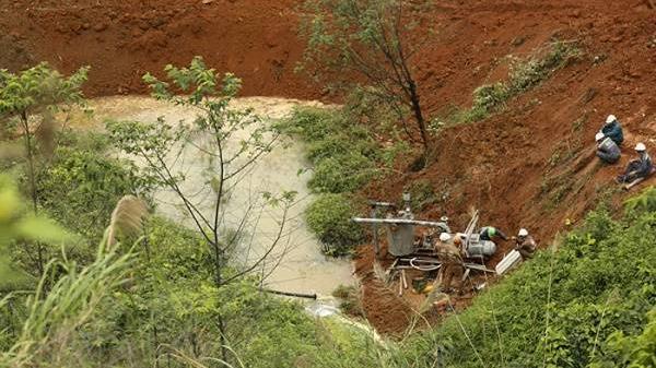 Lào Cai: Nước thải của nhà máy axit thuộc Cty CP Hóa chất Đức Giang rò rỉ ra môi trường