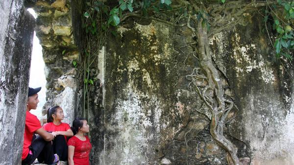 Ghé thăm lâu đài cổ đầy bí ẩn ở Mường Hum, Lào Cai