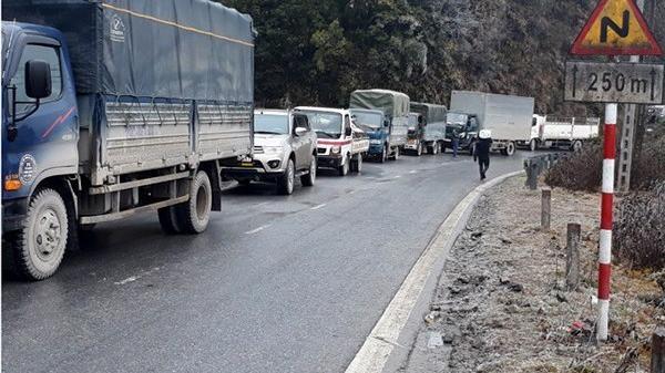 Lào Cai: Ứng cứu kịp thời các xe khi có sự cố trên quốc lộ 4D