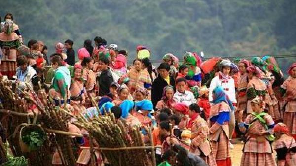 """Tuần văn hóa du lịch tại Lào Cai với chủ đề """"Sắc màu cao nguyên trắng"""""""