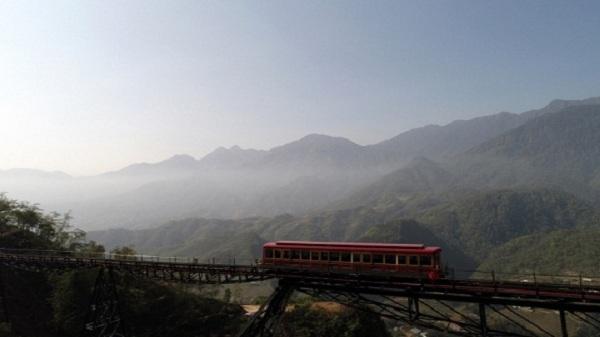 Du lịch Sapa bằng tàu leo núi Mường Hoa độc đáo