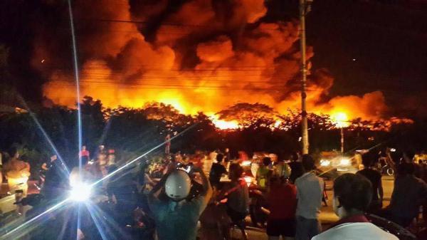 Bắc Giang: Cháy tại khu công nghiệp Vân Trung